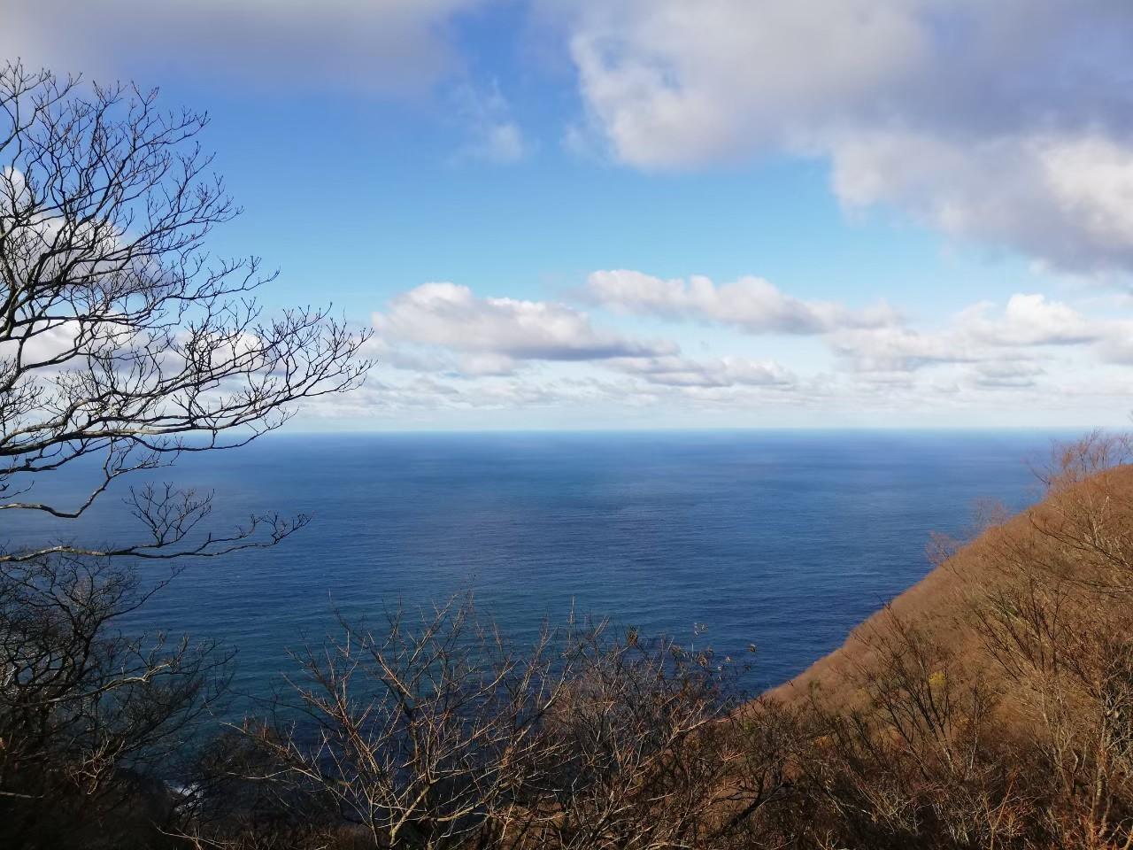 おにゅう峠 海の見える道